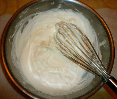 Whipped cream with soft peaks